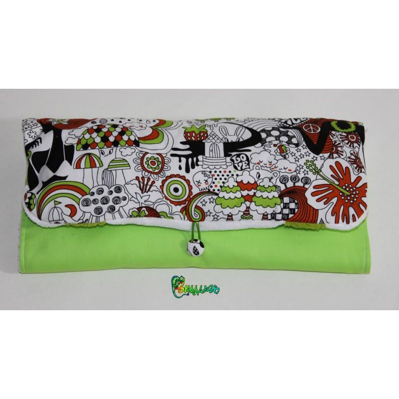 tapis langer nomade tons vert blanc. Black Bedroom Furniture Sets. Home Design Ideas