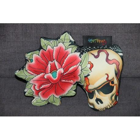 Peluche skull and flower