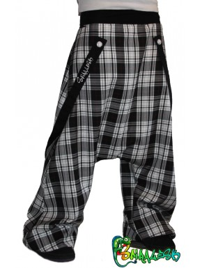 Harem pants e cinghie plaid