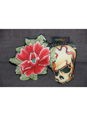 Peluche skull and flower